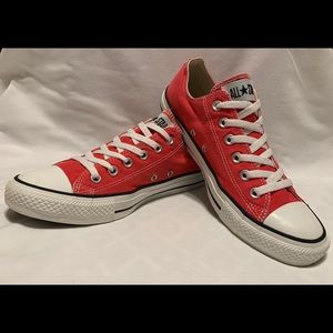 CONVERSE ALL🌟STAR CHUCK TAYLOR HOT PINK LOWS 8 US